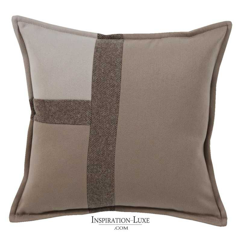coussin de luxe tricolore taupe sable et marron 45 x 45 cm. Black Bedroom Furniture Sets. Home Design Ideas
