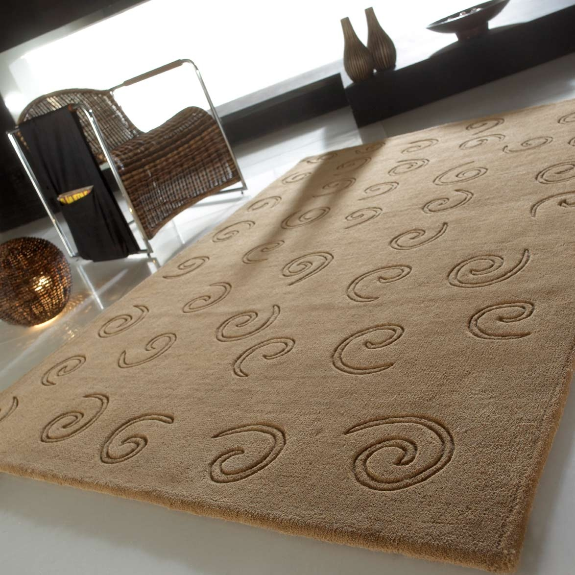 Tapis de luxe design marron clair Arabesque par Carving