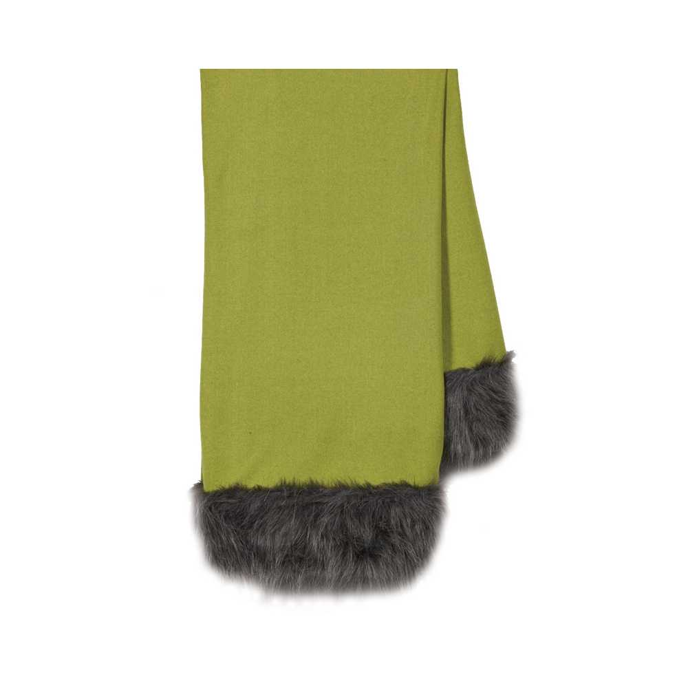 Plaid de luxe vert anis en laine finition fausse fourrure for Plaid contemporain