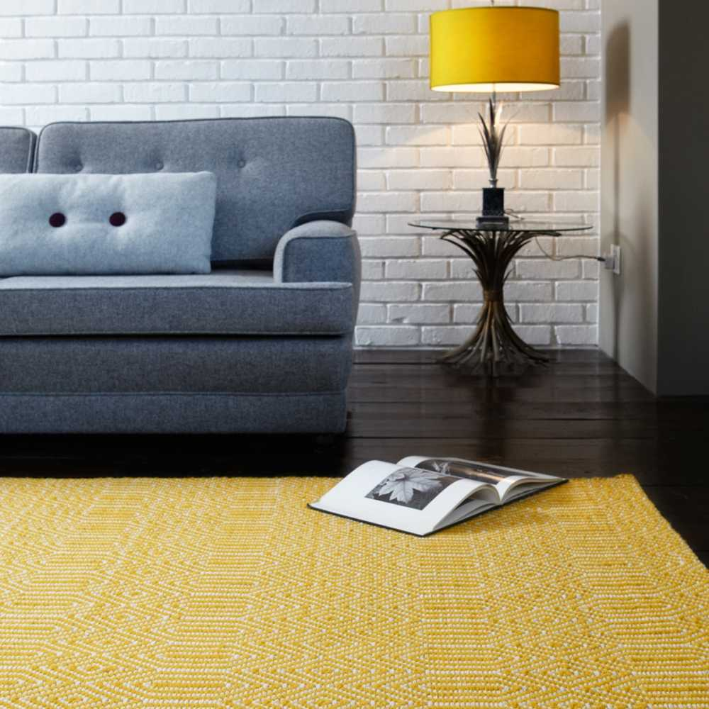 tapis de salon design jaune et blanc en laine et coton. Black Bedroom Furniture Sets. Home Design Ideas