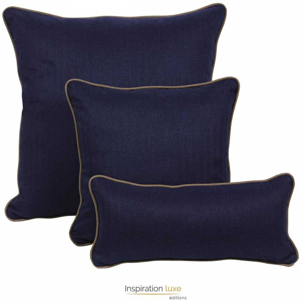 coussin design bleu fonc carr ou rectangulaire 3 tailles disponibles. Black Bedroom Furniture Sets. Home Design Ideas