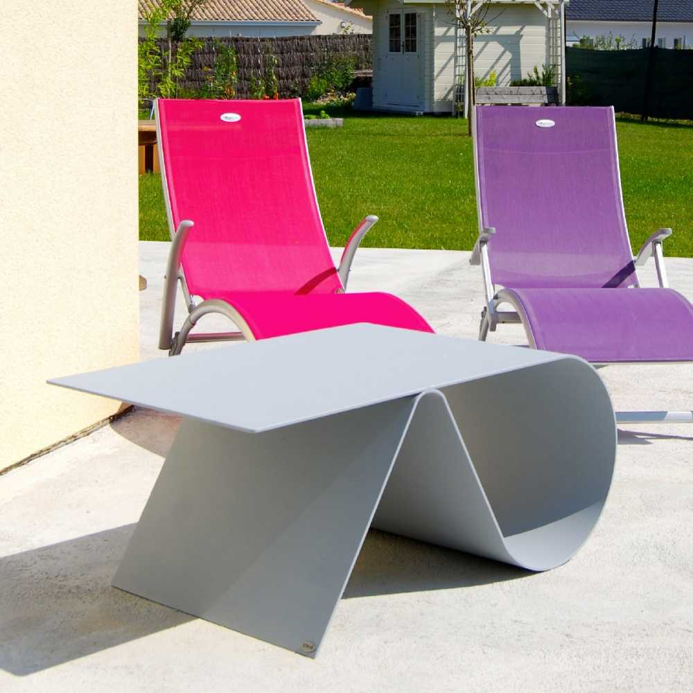 Table basse de jardin de luxe en acier design goupille for Table basse en acier design