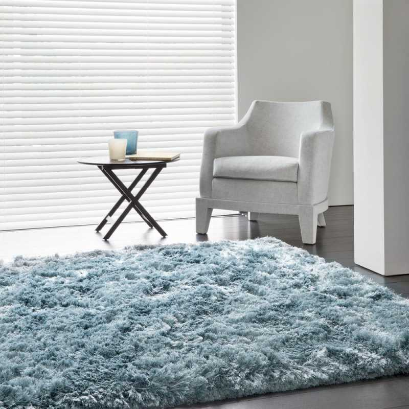 tapis sur mesure bleu uni shaggy adore par ligne pure. Black Bedroom Furniture Sets. Home Design Ideas