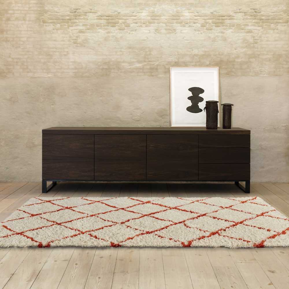 tapis de luxe beige en laine motifs berb res oranges zagora par angelo. Black Bedroom Furniture Sets. Home Design Ideas