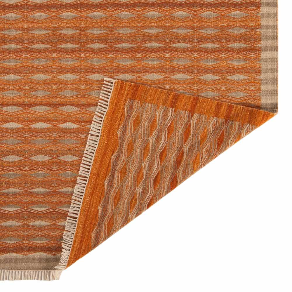tapis contemporain kilim orange et beige en laine et jute. Black Bedroom Furniture Sets. Home Design Ideas