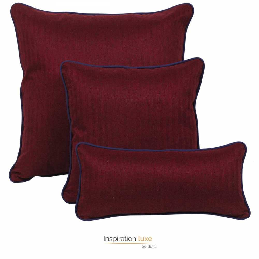 coussin rouge bordeaux uni carr ou rectangulaire 3 tailles disponibles. Black Bedroom Furniture Sets. Home Design Ideas