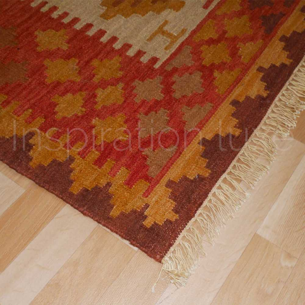 tapis design kilim en laine et jute rouge et beige. Black Bedroom Furniture Sets. Home Design Ideas