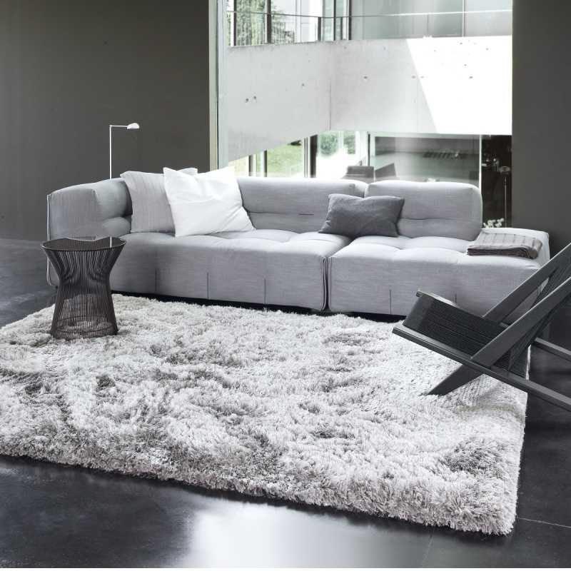 Tapis tendance gris uni shaggy adore par ligne pure - Made in design tapis ...