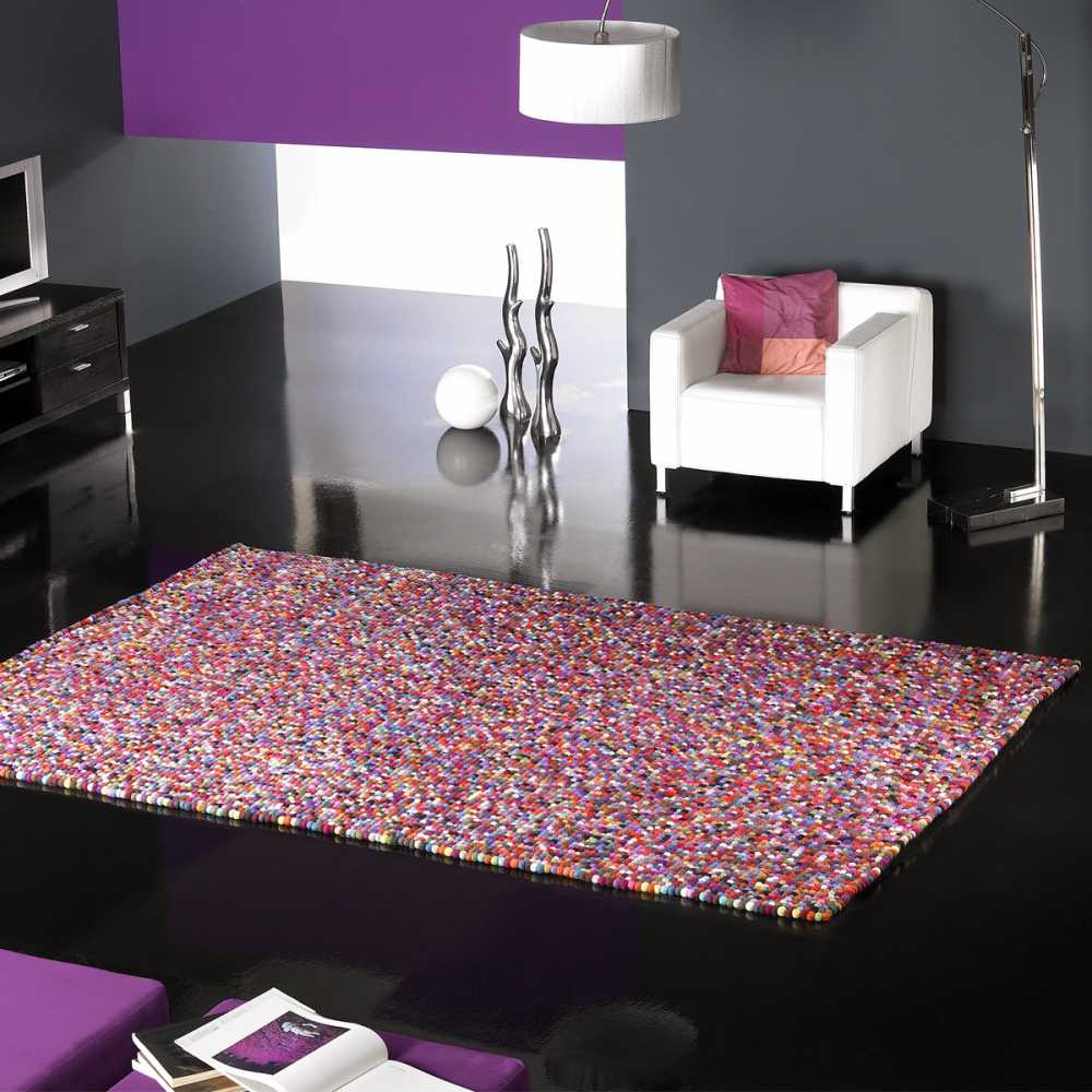 tapis en boule de laine multicolore par carving. Black Bedroom Furniture Sets. Home Design Ideas