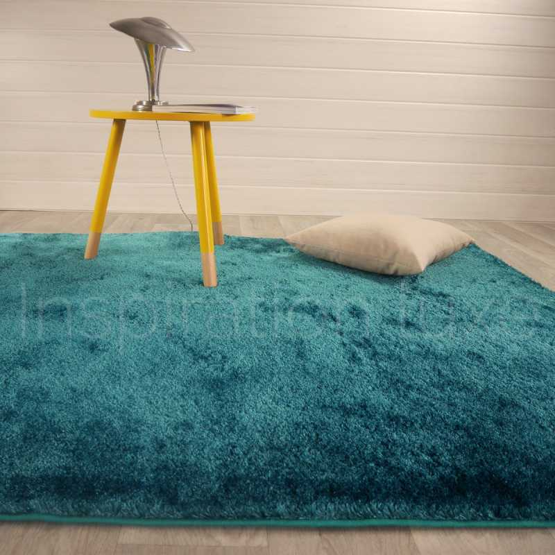 tapis shaggy bleu fin et doux. Black Bedroom Furniture Sets. Home Design Ideas
