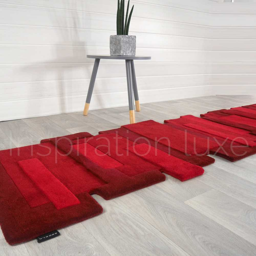 Tapis rouge de luxe de couloir design pebbles par angelo for Tapis de couloir moderne design