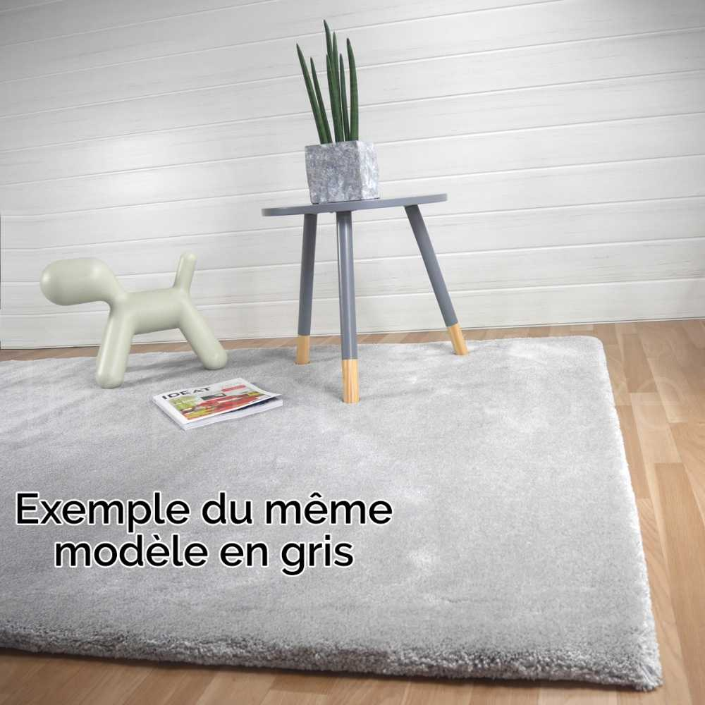 tapis sur mesure blanc moelleux par inspiration luxe. Black Bedroom Furniture Sets. Home Design Ideas