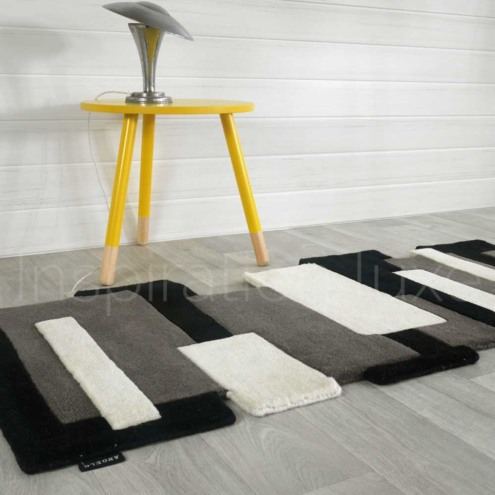 tapis sur mesure noir et blanc de couloir design pebbles par angelo. Black Bedroom Furniture Sets. Home Design Ideas