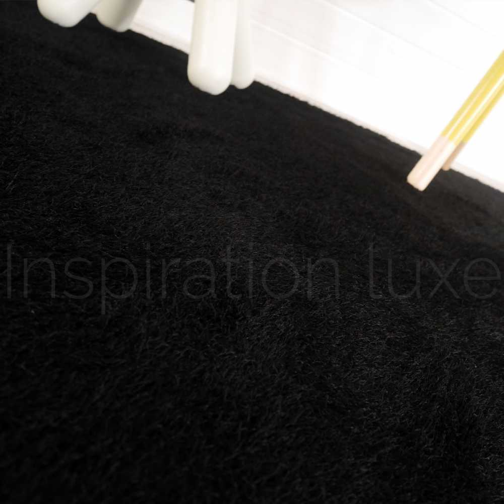 tapis lavable en machine noir id al salle de bain 140 x 200 cm. Black Bedroom Furniture Sets. Home Design Ideas