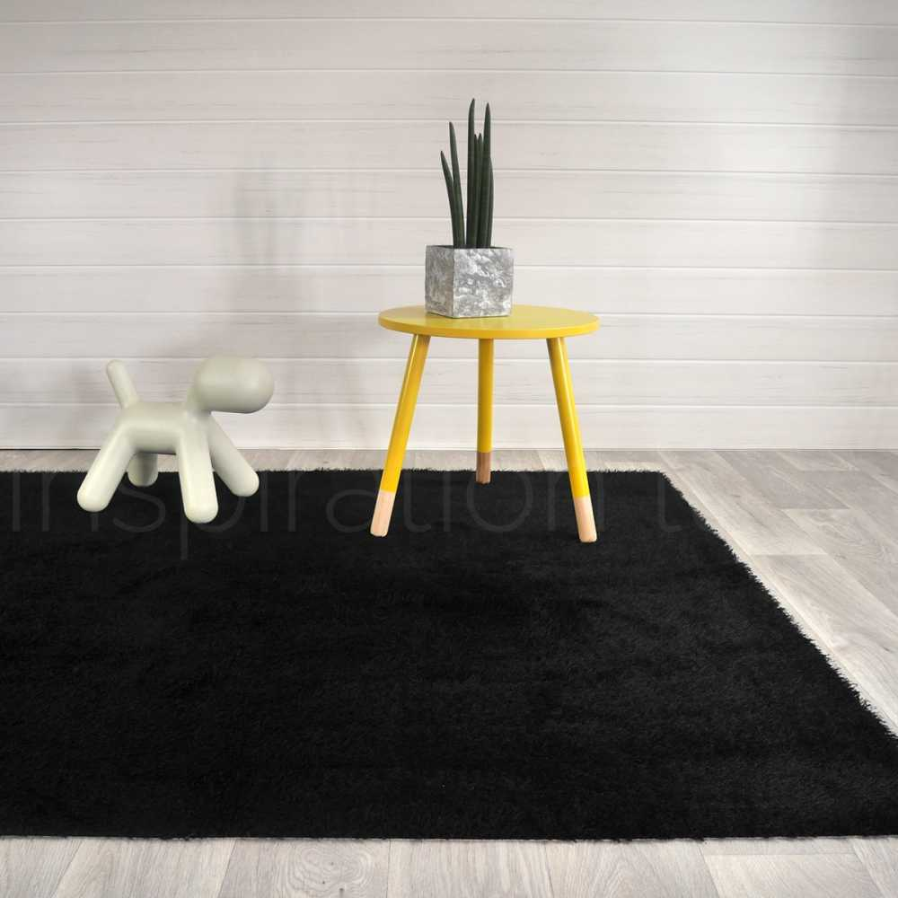 tapis noir de cuisine sur mesure. Black Bedroom Furniture Sets. Home Design Ideas