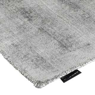 Tapis contemporain en viscose gris clair par Angelo