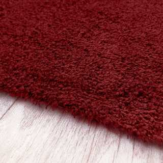 Tapis fin rouge sur mesure lavable en machine aspect viscose